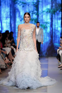 Sana-safinaz-new-style-the-last-of-the-night-plbw17-collection-3