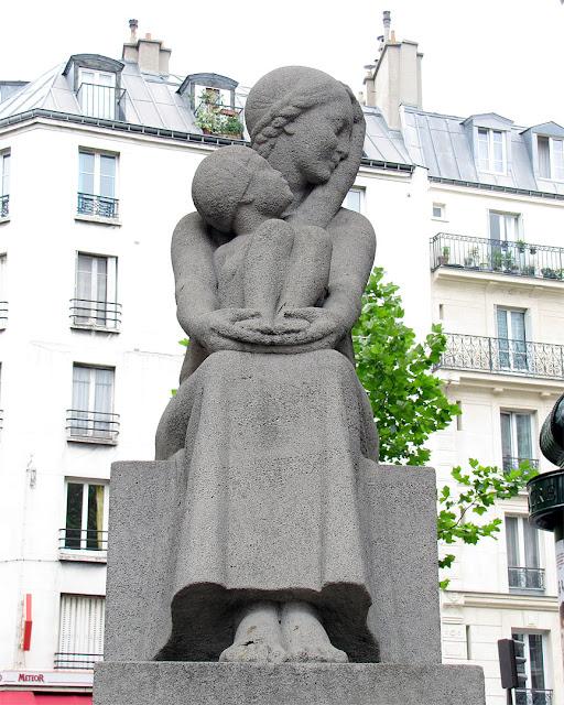 Maternité, Maternity by Georges Vacossin, rue Lafayette, rue du Château-Landon, Paris
