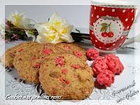 http://gourmandesansgluten.blogspot.fr/2014/04/cookies-aux-pralines-roses.html