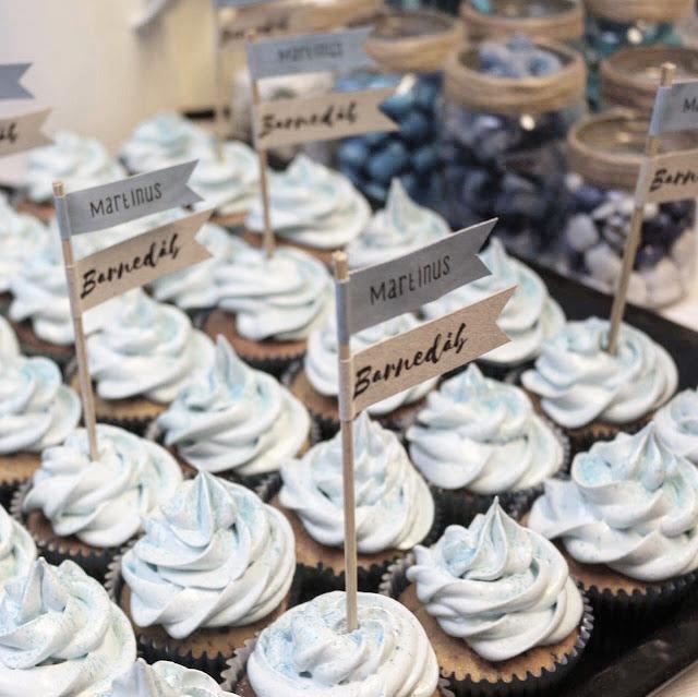 cupcakes, barnedåb, drengedåb, flødebolleskum, en livsstil, kage, dåbskage, inspiration, pynt