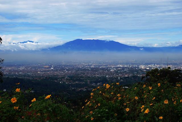 Wisata Favorit Gunung Tangkuban Perahu