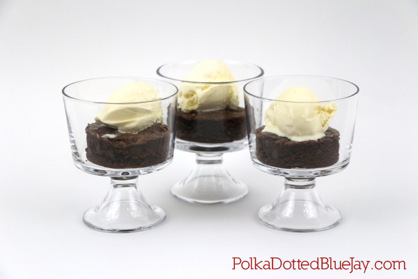 Ice Cream and Brownie Parfait with Toll House Brownie and more mix is the perfect sweet summer dessert. #mixinmoments #ad