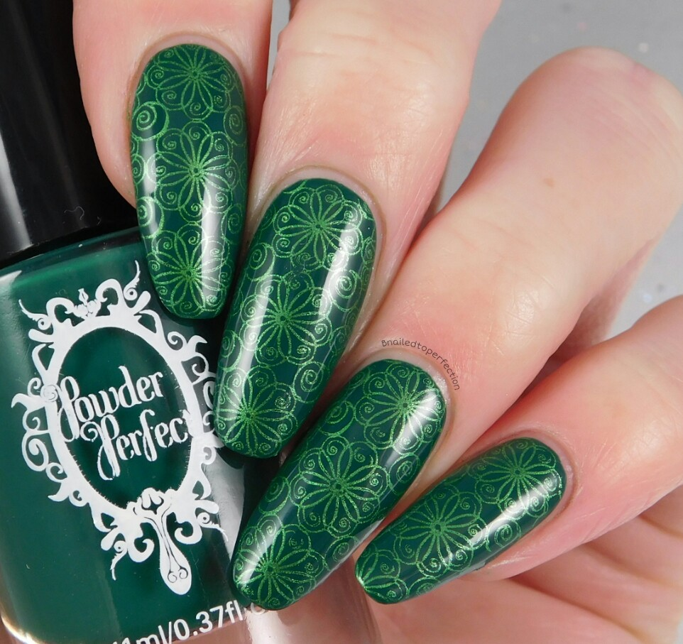 B Nailed To Perfection: 26 Great Nail Art Ideas - Green Freestyle