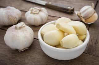 Manfaat bawang putih untuk jerawat meradang