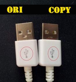 Colokan USB charger Samsung asli dan palsu
