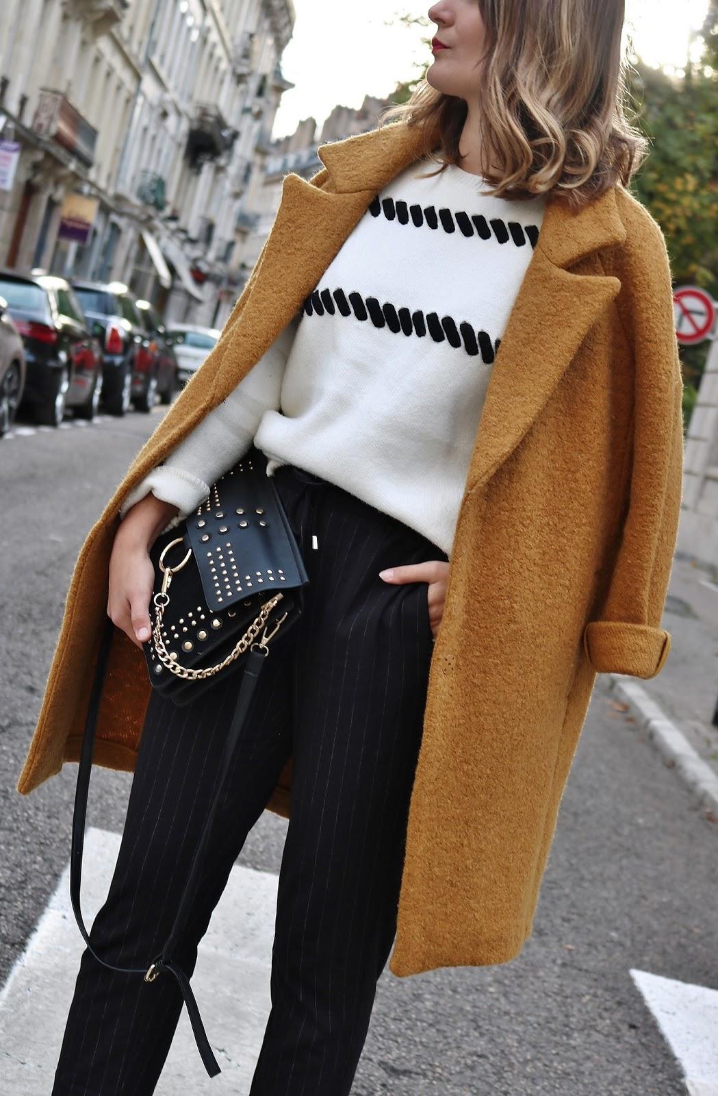 pauline-dress-blog-mode-tenue-en-manteau-moutarde-hiver-automne-2017-pull-jogger