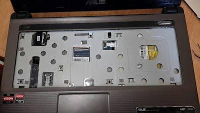 membersihkan papan keyboard