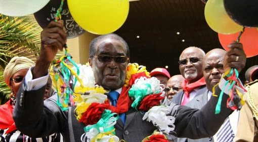 Zimbabwe's president Robet Mugabe spent  £400,000 on his birthday celebrations while his country is still starving and now internet pays him back with hilarious Mugabe fall memes via geniushowto.blogspot.com #MugabeFalls