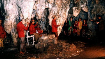 Hai Kawan apakah kau pernah pergi mengunjungi gua kapur Materi Sekolah |  Pengertian, Definisi, Pembentukan,Arah dan Asal Bentukkan dari Stalaktit dan Stalagmit