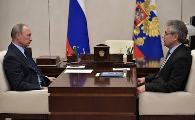 Vladimir Putin with President of the Russian Academy of Sciences Alexander Sergeyev.