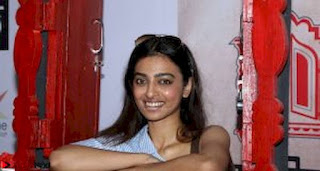 Radhika Apte At Colours Khidkiyaan Theatre Festival 2017 03.jpg