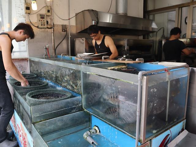 IMG 1584 - 二訪東港活海產│現點現撈,每樣餐點都超級新鮮,必點龍蝦味噌鍋