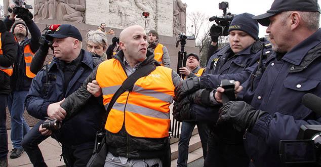 Грејем Филипс ухапшен на маршу ветерана фашиста у Литванији (ВИДЕО)