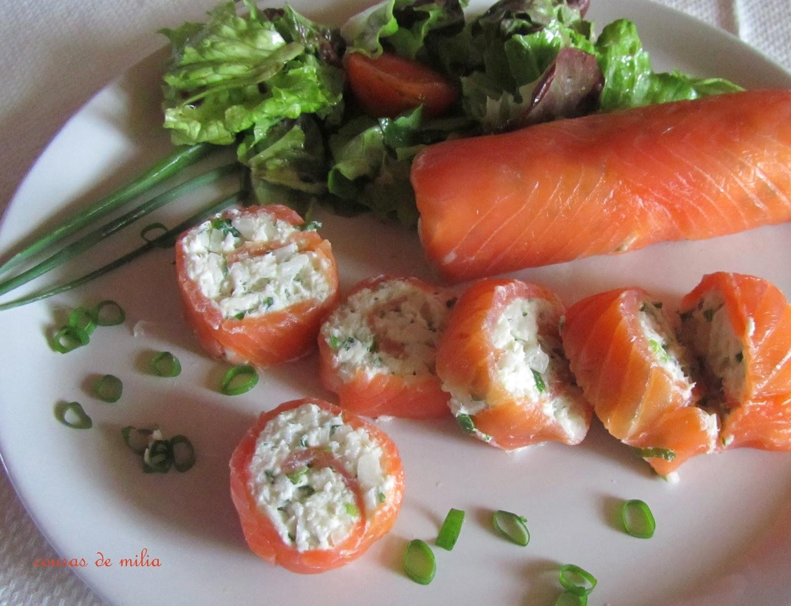 Rollitos de salmón con salsa de yogurt