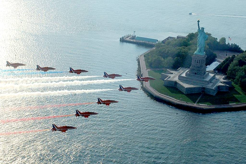 RED ARROWS TO LIGHT UP NORTH AMERICAN SKIES ON LANDMARK TOUR
