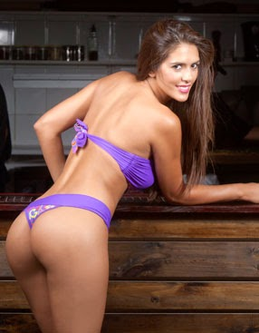 Sandra Bustamante en colaless
