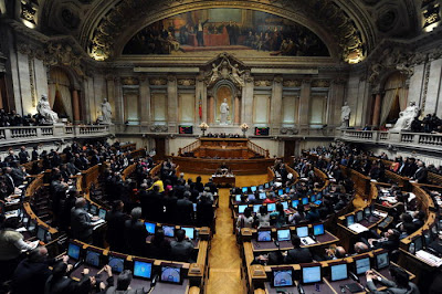 O parlamento e o palácio de são bento. Jornal CONTACTO - O Blogue: Março 2011
