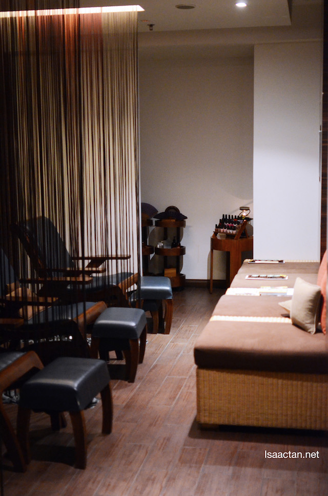 Leg massage, neck and shoulder massages were done here in this room