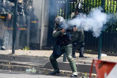 ditadura venezuela-nicolas-maduro-golpista-mortes-tiros-cabeca-donald trump