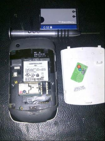 2 Bongkar Blackberry 8520
