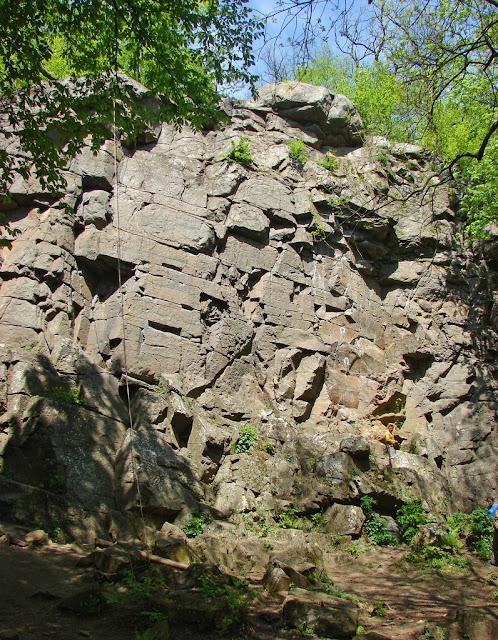 Село Дениши, скалы, популярные у скалолазов