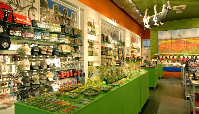 Praça Dam para comprar lembrancinhas e souvenirs em Amsterdã
