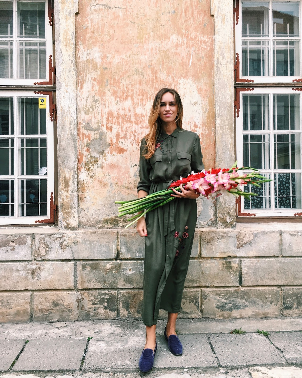kristjaana green maxi shirt dress outfit