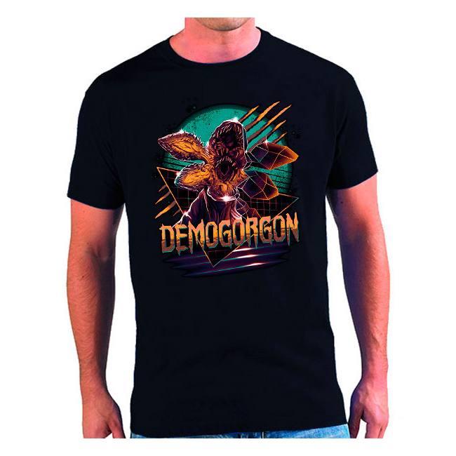 https://www.mxgames.es/es/camisetas-stranger-things/4297-camiseta-demogorgon-stranger-things.html#/43-modelos_de_camiseta_hombre-hombre_manga_corta/73-genero-hombre/66-color-azul_marino_oscuro/57-talla-talla_m