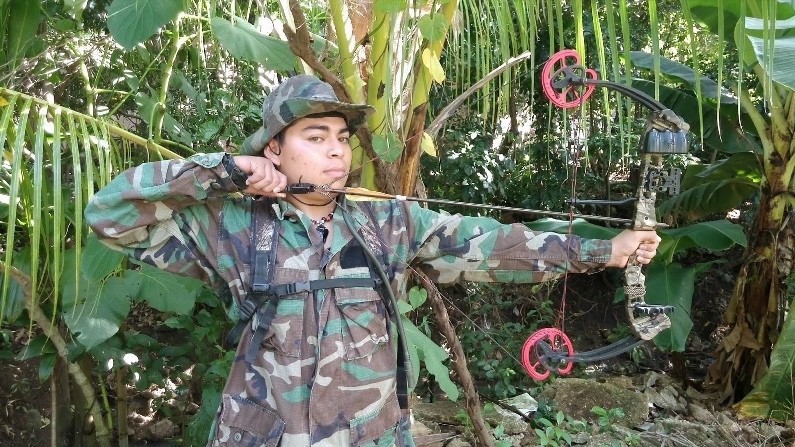 "Arco caza poleas Hellbow Mirage camuflaje regulable 19-31/""//15-70 LBS 3 flechas"