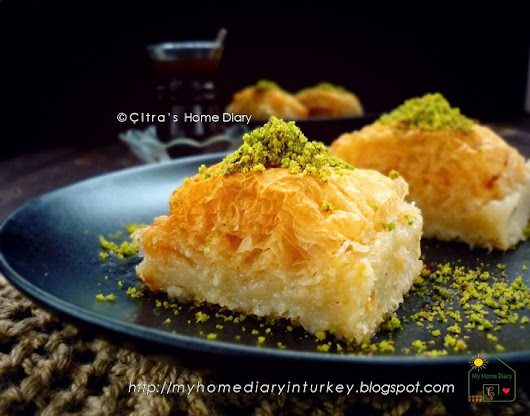 Laz böreği / Turkish Custard Pastry Dessert