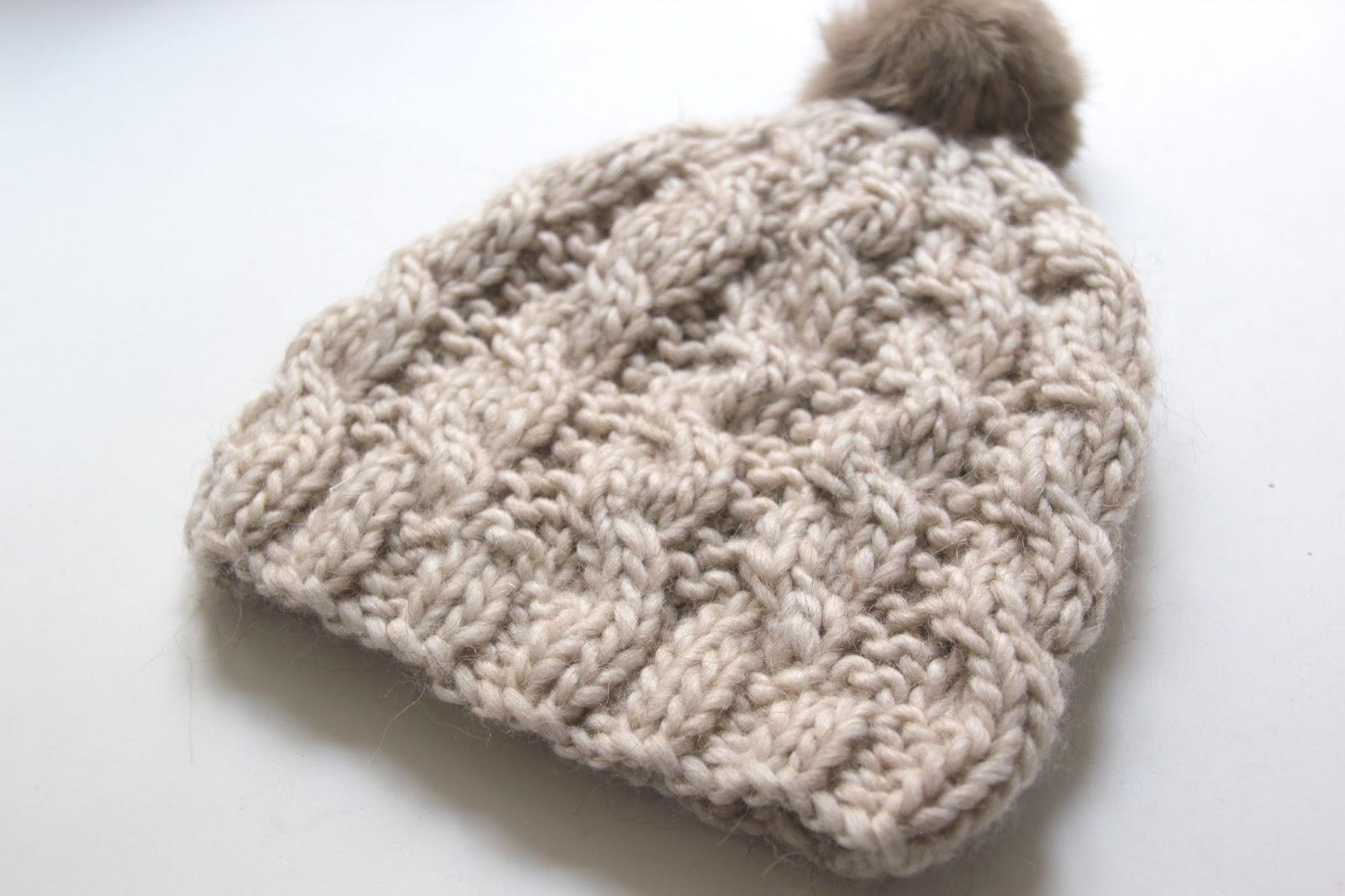 Tutorial de lana  Como hacer gorro trenzado ochos (patrones gratis) 64beccfddd7