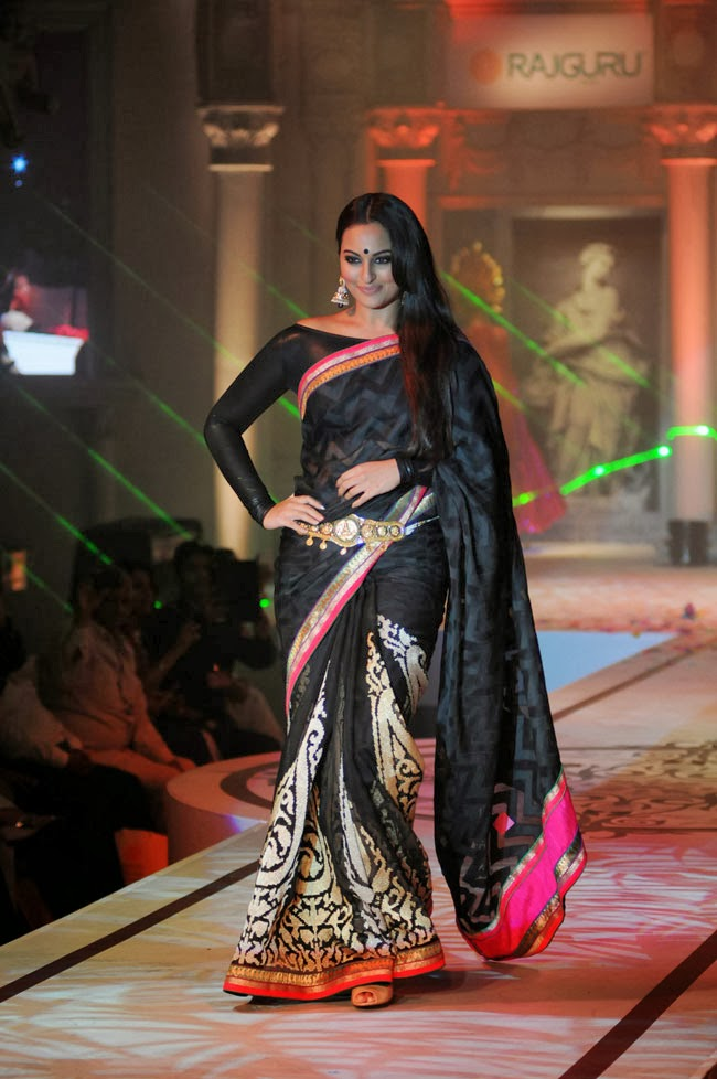 Hindi Girl Sonakshi Sinha Latest Black Saree Photos