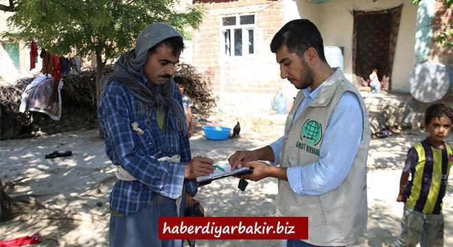 Umut Kervanı Ergani'de gıda yardımında bulundu