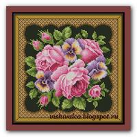 Подушка с розами и анютками