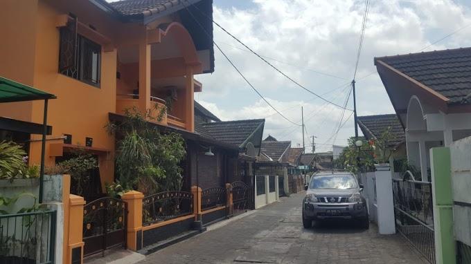 Rumah Bagus 2 Lantai dalam Perumahan utara Hartono Mall ringroad utara