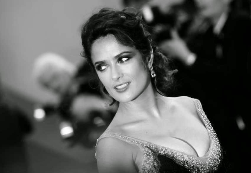 Salma Hayek Hot Black & White Photography Wallpaper