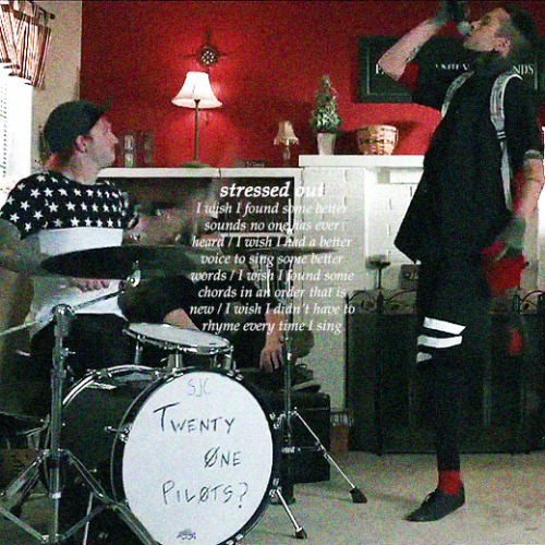 twenty one pilots: Stressed Out [OFFICIAL VIDEO] - YouTube