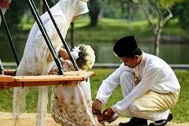 Agar Makin Disayang Suami atau Istri, Amalkan Doa Wirid Ini