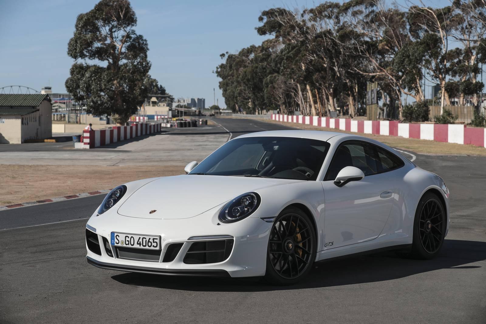Przód Porsche 911 Carrera 4 GTS