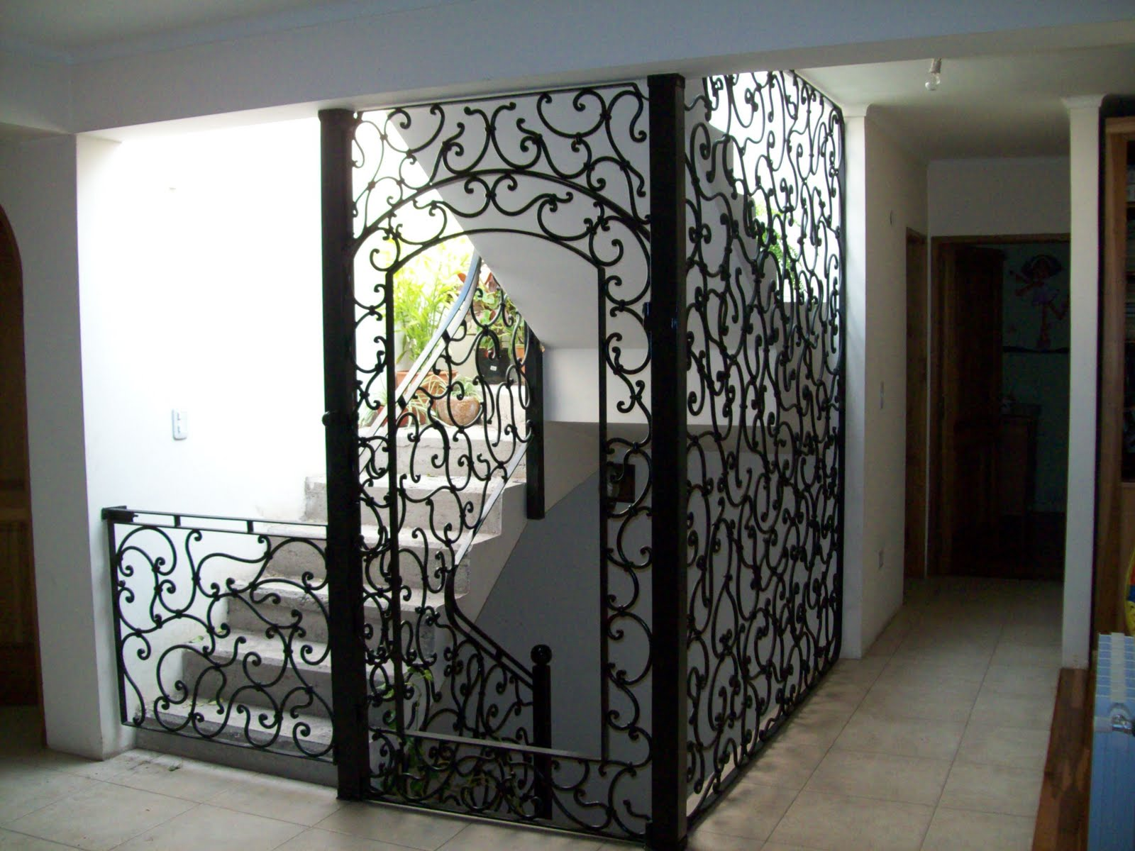 Ideas forja realizamos trabajos tales como puertas for Puertas para patios modelos