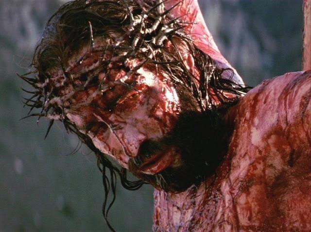 Resultado de imagem para jesus clama a deus na cruz do calvario
