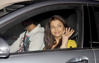 Aishwarya Abhishek In A Car