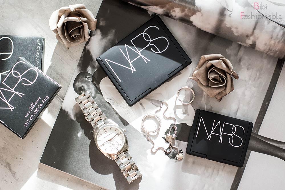 Nars Cosmetics Produkte geschlossen Flatlay
