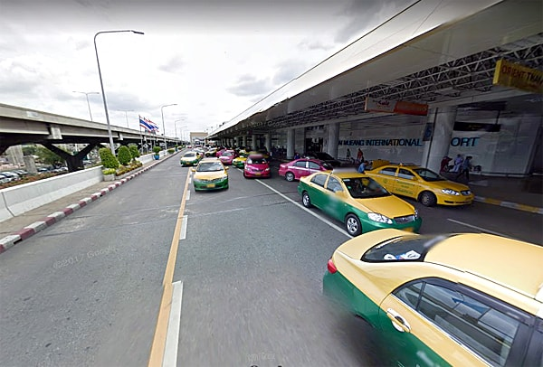 Don Mueang International Airport drop off area