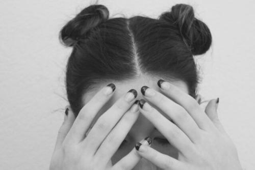 space bun tumblr girl space bun hair trend how to make space bun bun hair trend tumblr hair space bun miley cyrus fashion style hair trend 2016 fashion's obsessions zaira d'urso zairadurso instagram hair trend tumblr girl come fare gli space bun trend capelli 2016 capelli autunno 2016 fashion blog fashion blogger trend di stagione 2016