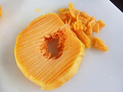 Calabaza cortada en brunoise (cuadritos muy finos)