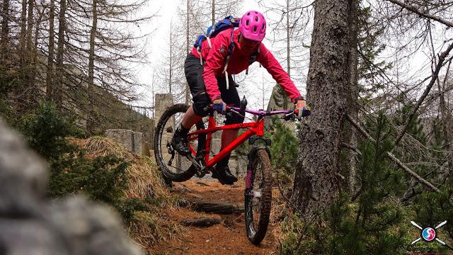 So geht das Hinterrad versetzten beim Mountainbiken mtb