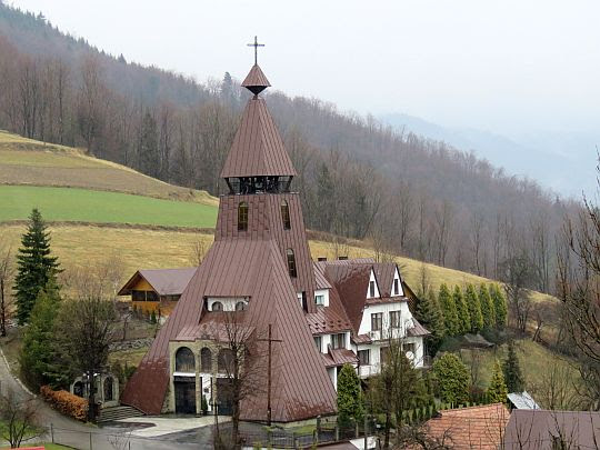 Kościół Najświętszego Serca Jezusowego w Glisnem.