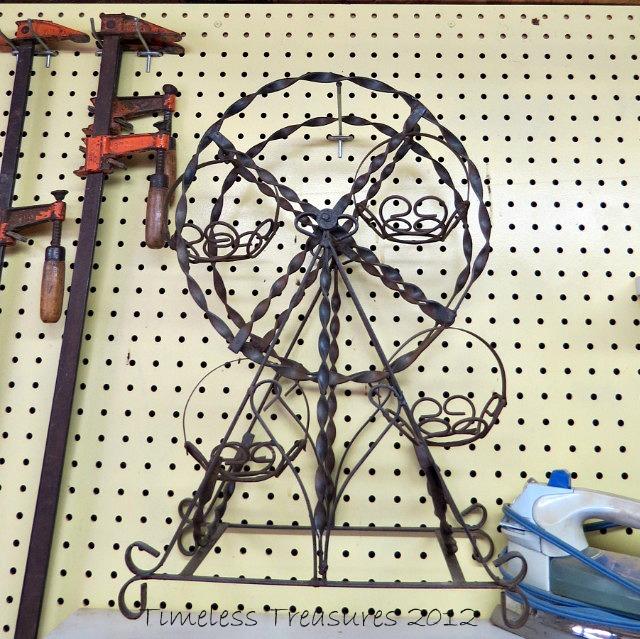 Egg Ferris Wheel for Easter Decoration