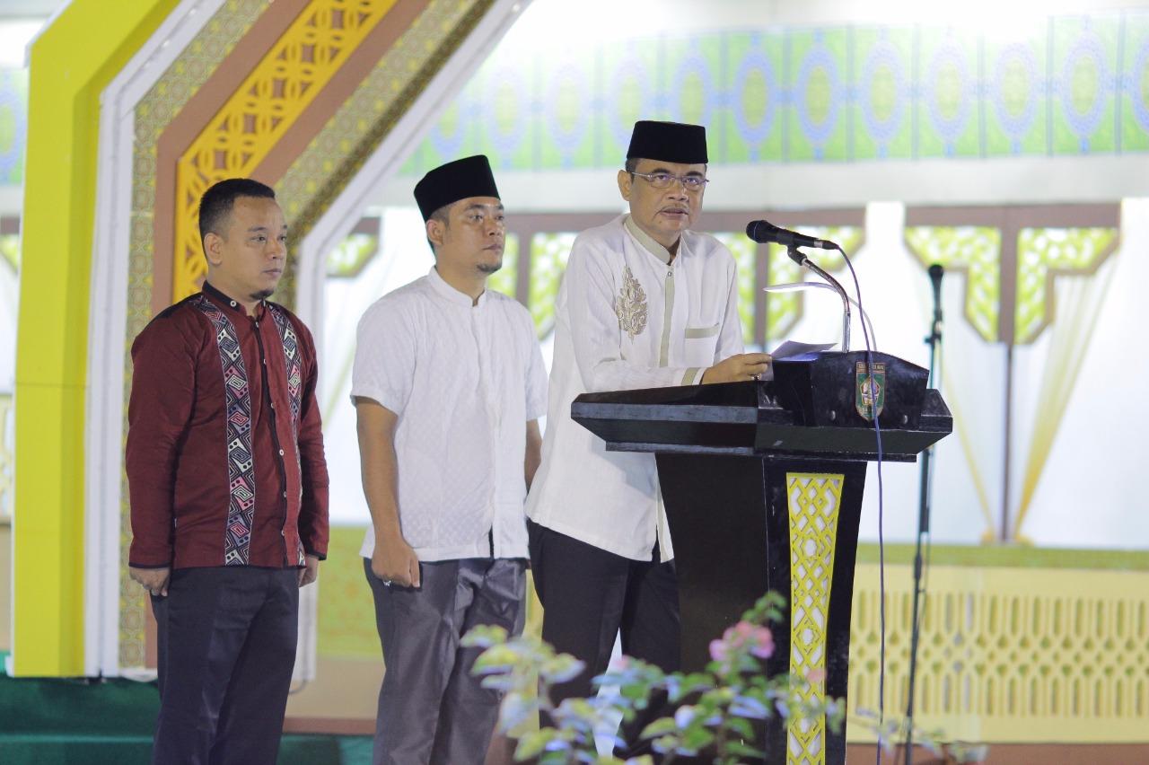 Bupati Asahan Taufan Gama Simatupang saat memberi kata sambutan pembukasn MTQ ke49 di Kabupaten Asahan